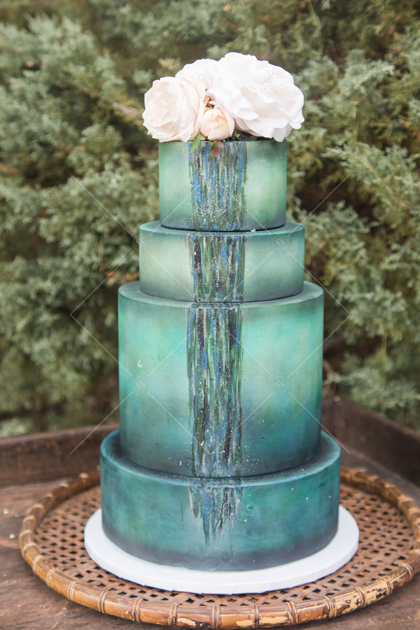 wedding, wedding cake, trees, flowers, florals, cake, platter,