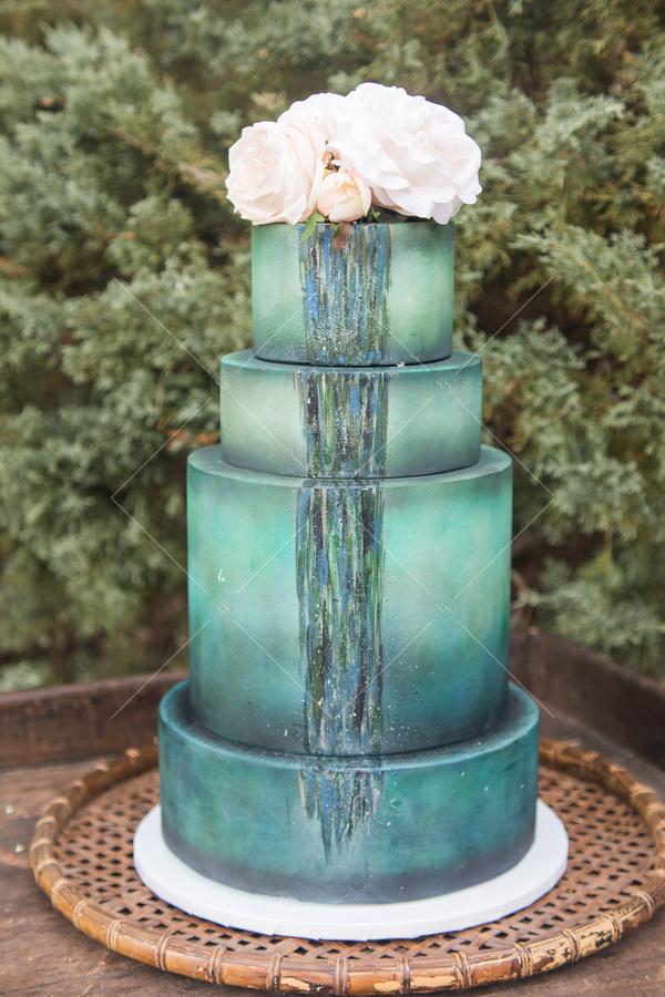 wedding, wedding cake, trees, flowers, florals, cake, platter,