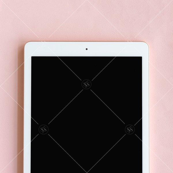 tablet mockup against pink background